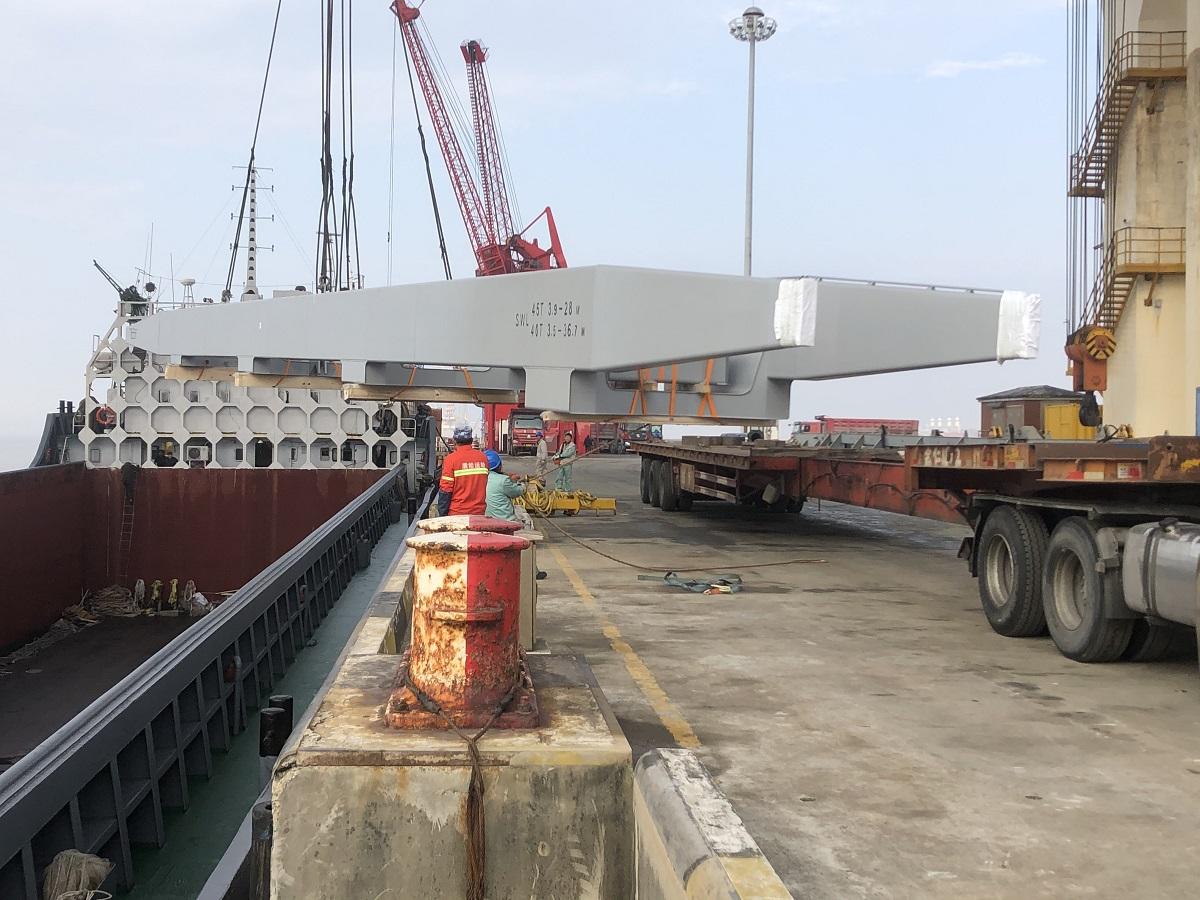 超长船舶吊臂设备运输
