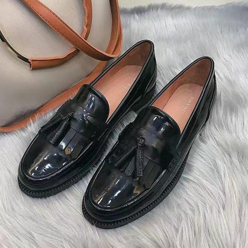 新春过年复古鞋怎么选择,时尚搭配不过时