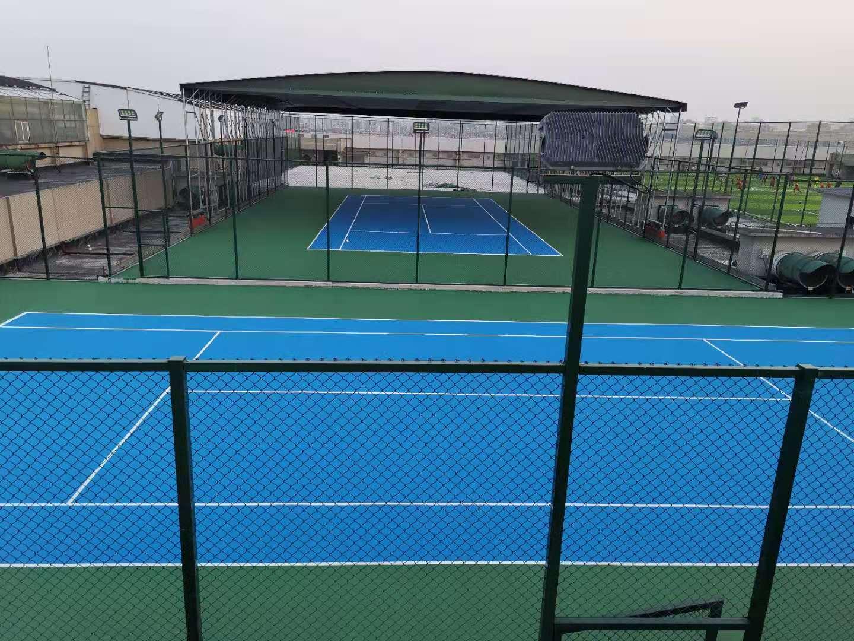 红星美凯龙楼顶网球场
