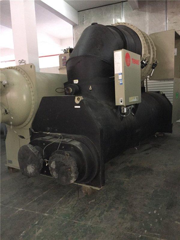 特灵水冷式离心式冷水机组1100RT高压机