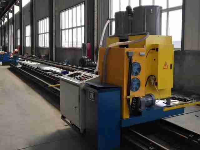 电力杆直内缝焊机(气保焊)