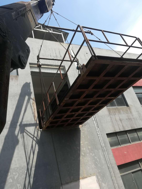 电子设备吊装上2楼