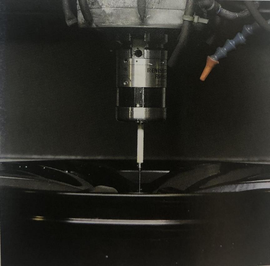 機床測頭在汽車配件制造過程中實現精密測量.png