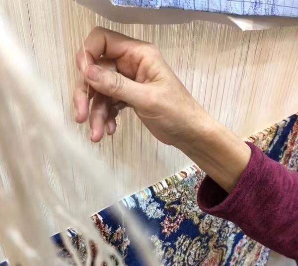 编织手工地毯时常用的工具有哪些?