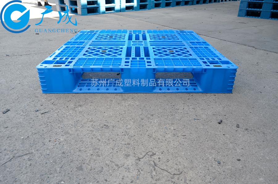 1111F網格田字塑料托盤安裝鋼管位置