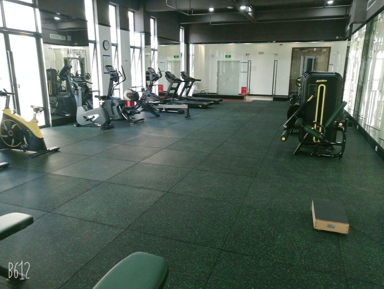 上海某健身房橡胶地垫