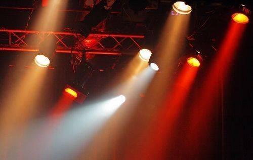舞台灯光如何选择照明位置