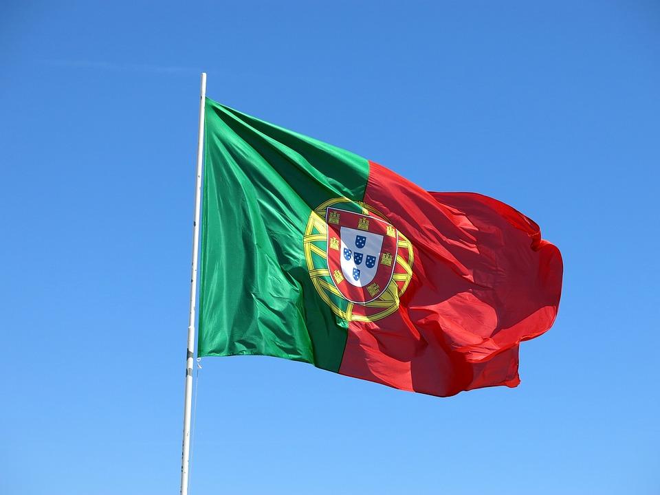 """为让孩子""""接班""""家族生意,我们决定移居葡萄牙"""