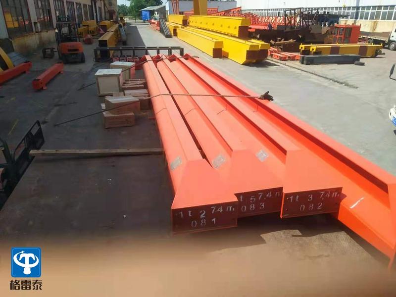 4台 LD 1吨 ――7.4米 发往江阴