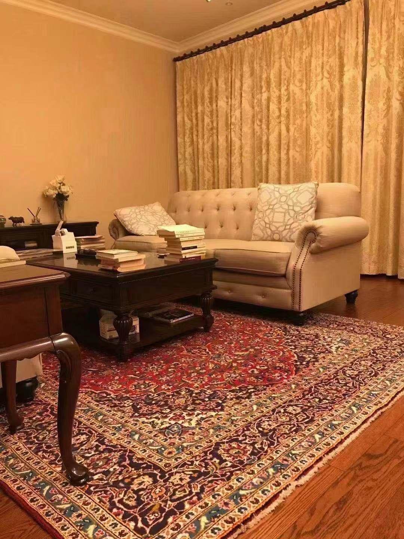 铺手工真丝地毯,提高生活品质。