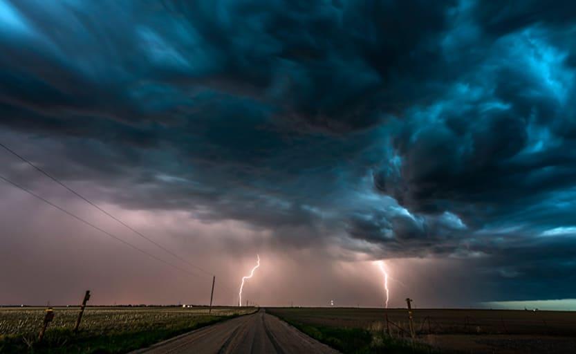 حقائق مثيرة للاهتمام حول العواصف الكهربائية