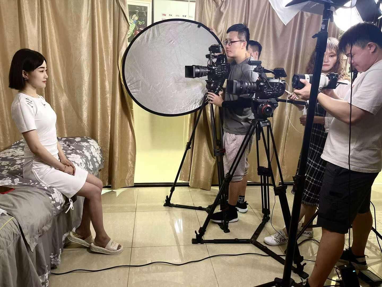 为杭州市残联录制纹绣课程