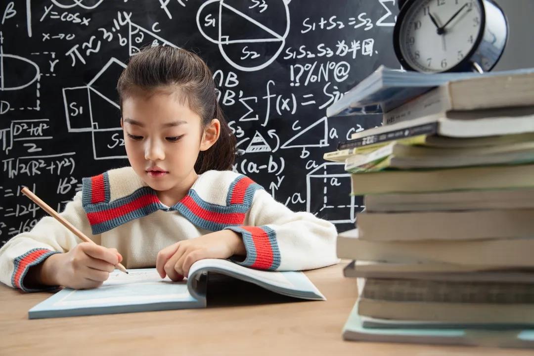 暑假期間孩子作業拖拉怎么辦?