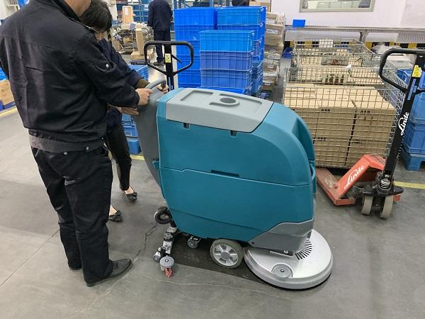 手推式洗地机的常见使用误区有哪些?