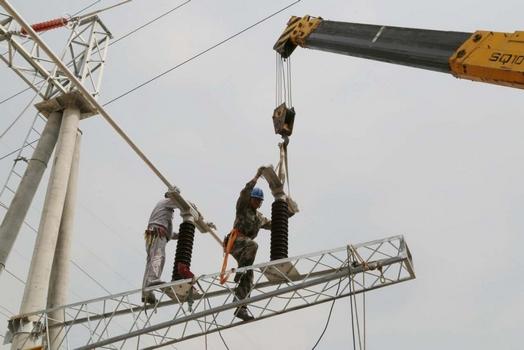 电力安装过程中通常需要使用哪些敷设工具
