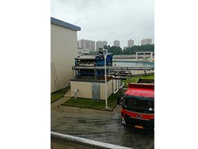 新环污泥应急处置装备!(每车25吨含水80%以下生活污泥,耗时2.5小时)