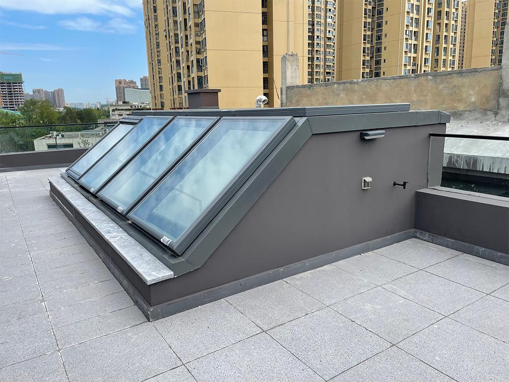 雨季花园屋顶窗上门维护——四川康乾捷瑞建设工程有限公司