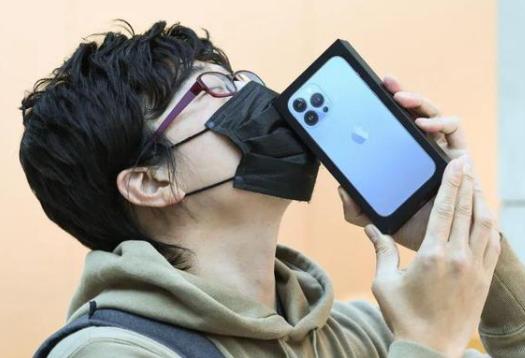 iPhone13预售火爆:手机的生产离不开激光技术