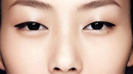 化妆造型培训课堂内容之单眼皮是一种怎样的体验