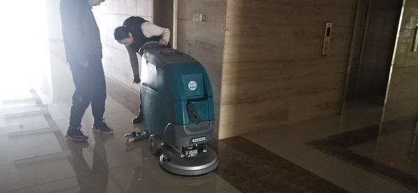 手推式洗地机配件该如何更换?